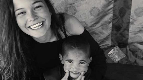Andrea Brundin Martínez desarrolla su espíritu solidario como voluntaria en un orfanato de Nepal
