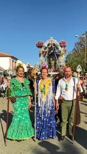 El alcalde de Lucena ha despedido a la carreta de la hermandad.