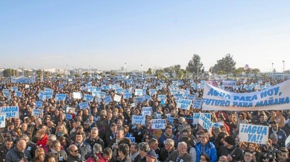 Los regantes urgen a que se celebre la reunión tripartita con el Gobierno y la Junta de Andalucía