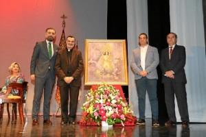 Foto de familia del acto de presentación del cartel anunciador.