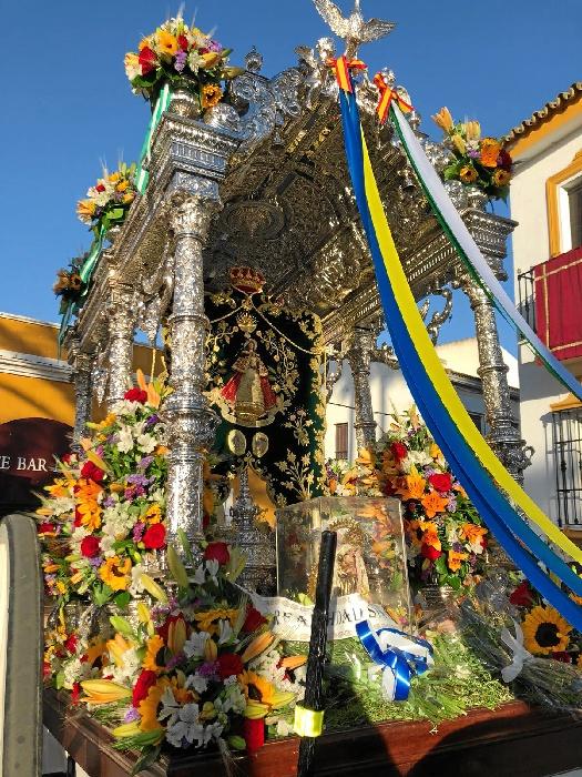 La Hermandad del Rocío de Villarrasa ya peregrina al Rocío