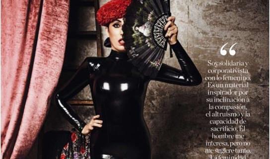 La actriz Rossy de Palma luce un diseño del onubense Javier Mojarro para la revista 'Elle'