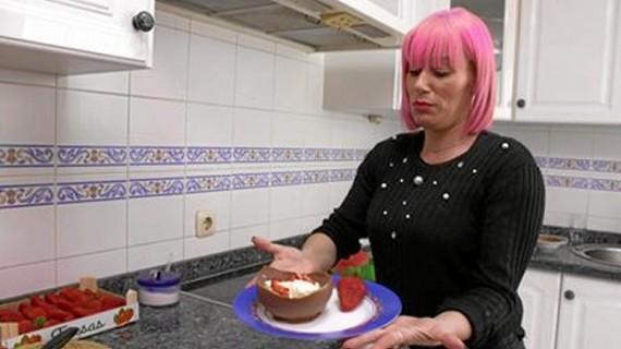 Alexandra, primera concursante onubense de 'Ven a cenar conmigo' en Cuatro