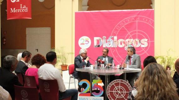 Emilio Ontiveros desgrana la economía global en #25DiálogosUHU