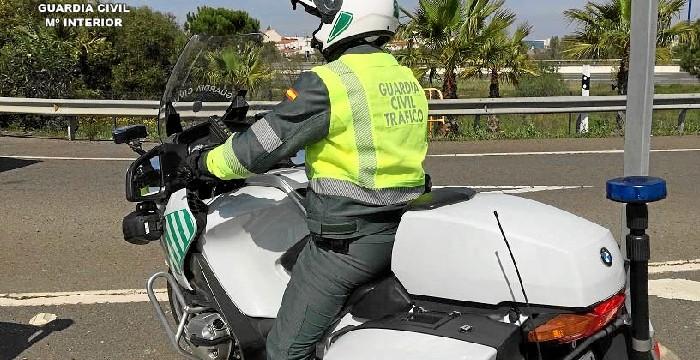 Detenido el conductor de un vehículo articulado pesado por conducir con una tasa de alcoholemia diez veces superior a la permitida