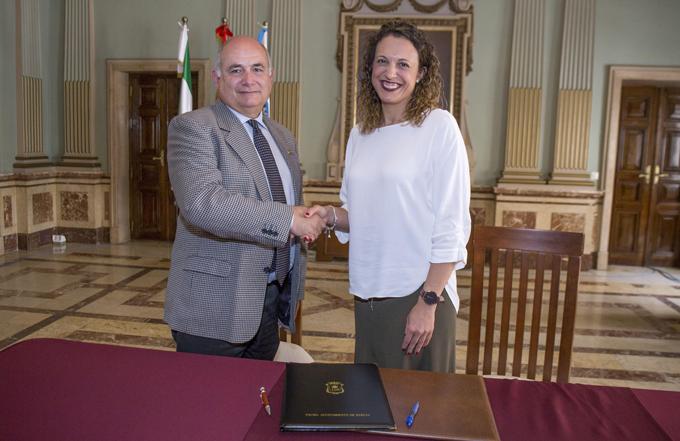 Aúnan esfuerzos para impulsar la Escuela de Participación Ciudadana de Huelva
