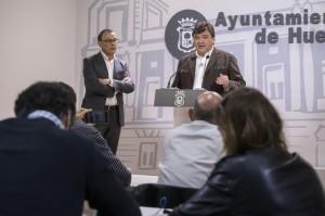 Ignacio Caraballo y Gabriel Cruz en rueda de prensa.