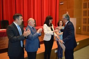 Entrega del premio al Profesor Pedro Pérez.
