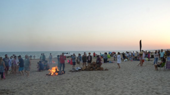 La Noche de San Juan transcurre sin incidentes en la Costa de Huelva