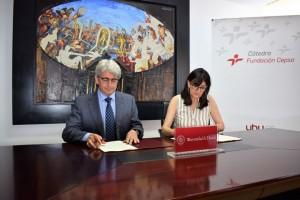 José Antonio Agüera y María Antonia Peña han firmado el convenio.