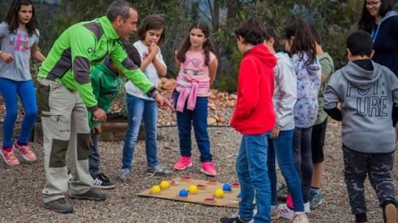 Un centenar de escolares celebran el Día del Medio Ambiente en MATSA