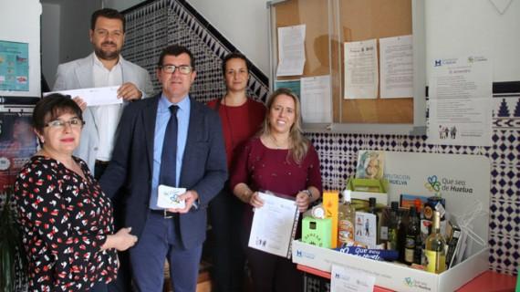 Arranca en El Almendro la campaña 'Que sea de Huelva' de promoción de productos y servicios locales