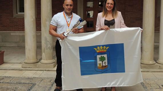 Recepción en el Ayuntamiento de Huelva a David Dos Rey, campeón de España de Halterofilia Máster