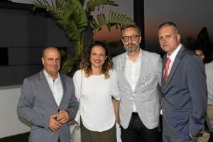 El director de HBN, Ramón Fernández Beviá, estuvo presente en el acto. En la imagen, con María José Pulido, Manuel Gómez y Gil Piña.