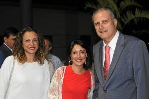 La Clínica de Gil Piña celebra su 30º Aniversario. De izquierda a derecha: María José Pulido, Cristina Pérez y Rafael Gil Piña.