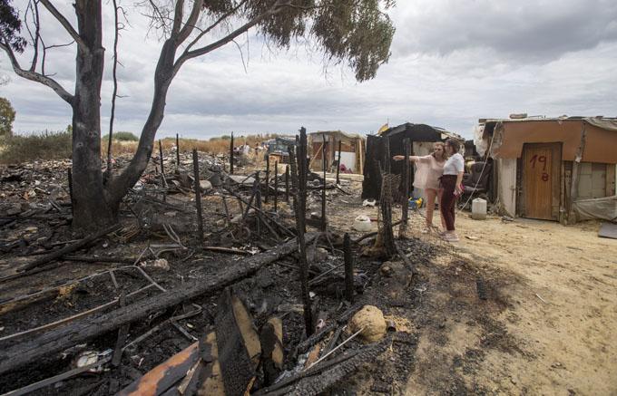 Evaluan daños y nuevas intervenciones en el asentamiento de Las Metas tras el incendio