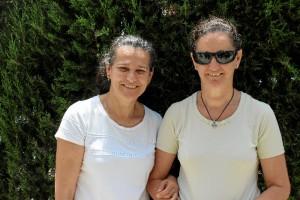 De izquierda a derecha, María Teresa Brioso, presidenta de la DT ASOCIDE en Andalucía y Marisol Brioso, secretaria de la misma delegación.
