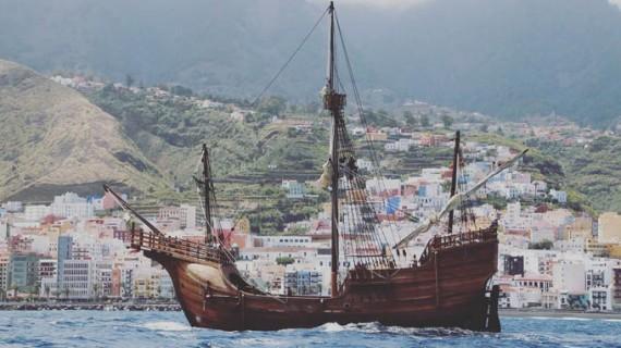 La réplica de la Santa María navega rumbo a la Península tras su gira por las Islas Canarias