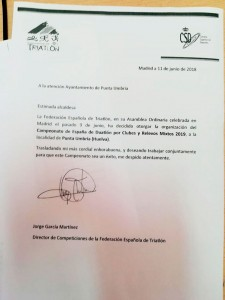 Comunicación de la  Federación Española de Triatlón a la alcaldesa de Punta Umbría.