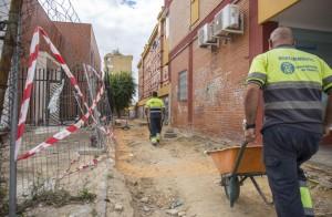 Obras en la trasera de la avenida Galaroza.
