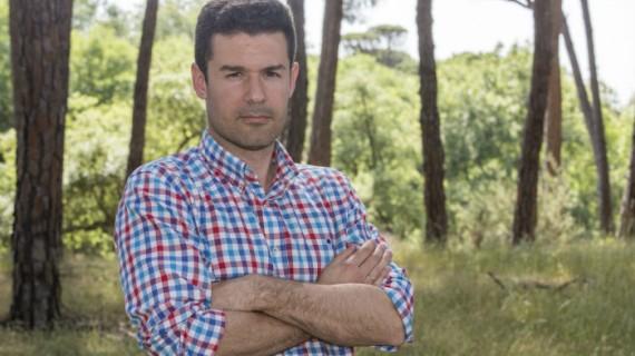 El periodista y escritor Antonio J. Sánchez regresa a las librerías con 'Todas las mentiras del caso Aldaya', su segunda novela