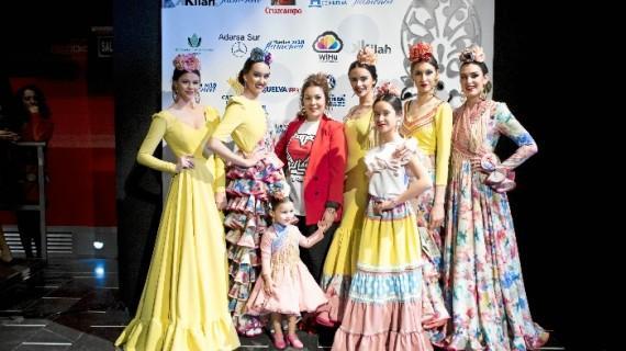 La moda flamenca en La Redondela lleva el nombre de la onubense Isabel Araújo