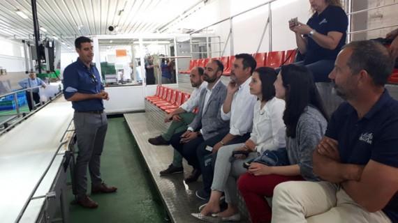 Respaldo al sector pesquero de Punta del Moral en su nuevo proyecto para dinamizar la lonja de Ayamonte