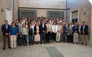 El presidente de la Diputación, Ignacio Caraballo, y el alcalde de Huelva, Gabriel Cruz, atienden a los medios de comunicación en el acto de firma de adhesión de los alcaldes al Pacto social para la llegada del AVE a Huelva.