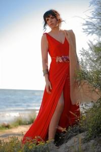 Aunque su lugar de residencia habitual es Huelva, pasa en Málaga la época de primavera y verano.
