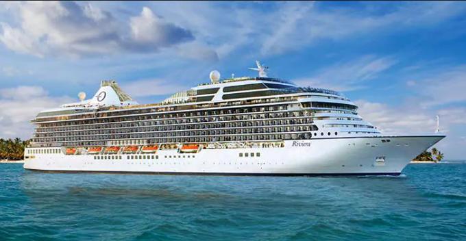 El crucero MS Riviera atracará el domingo en el Muelle Sur con más de 1.200 pasajeros a bordo