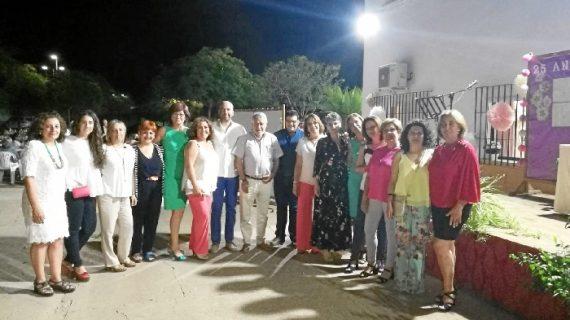La asociación de mujeres Flor de Jara de Villarrasa celebra su 25 aniversario