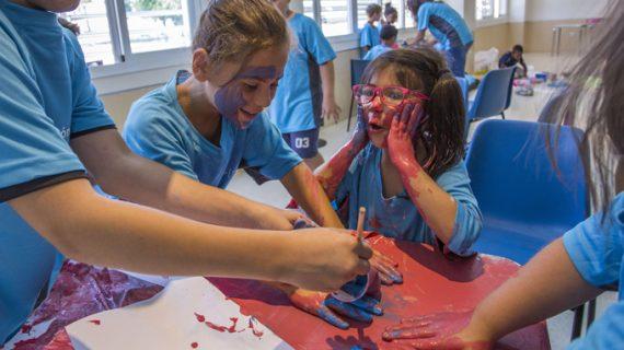 25 niños disfrutan del campamento urbano 'Campus Sunset'