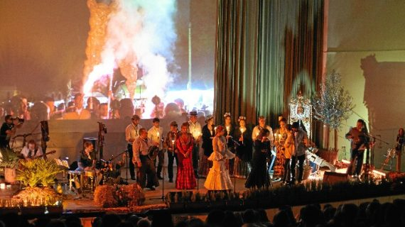 El compositor José León lleva a Palos su espectáculo 'Cien pisadas hasta la aldea'
