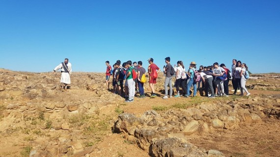Escacena celebra la primera gymkhana histórica en el yacimiento de Tejada la Vieja