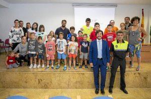 La Jefatura de la Policía Local de Huelva abre sus puertas a los participantes en los diferentes campamentos de verano que se llevan a cabo en la capital.