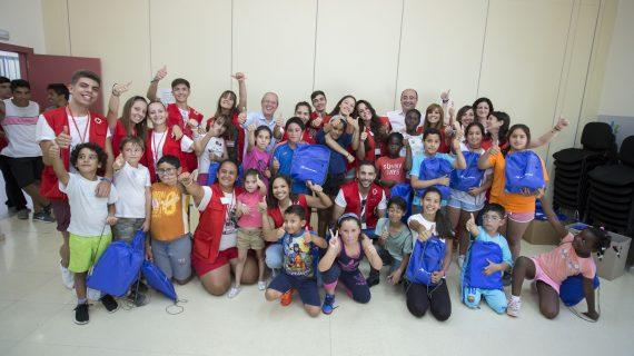 El Campamento de Verano Aguas de Huelva acoge a 30 menores garantizando su alimentación en la época estival
