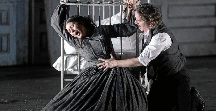 Beas retransmite en directo desde el Teatro Real de Madrid la ópera Lucia di Lammermoor
