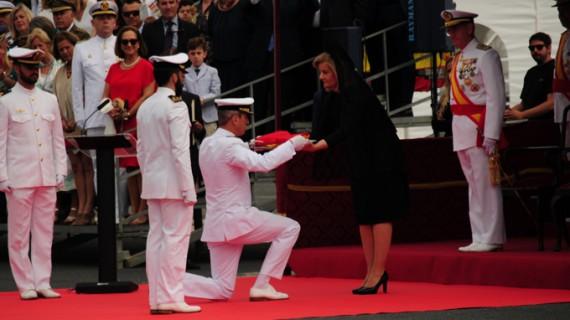 """La fragata """"Cristóbal Colón"""" recibe su Bandera de Combate en Palos de la Frontera"""