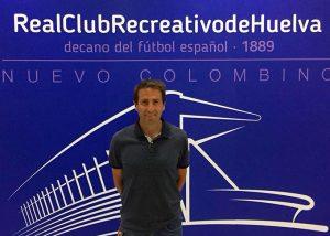 Mikel Gandarias se incorpora al cuerpo técnico del Recre y hará las funciones de analista. / Foto: @recreoficial.