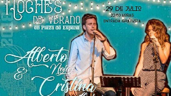 Alberto Noja & Cristina Almisas llenan de ritmo la Plaza de España de Bonares