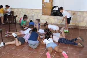 Los niños se divierten y aprenden en las Escuelas de Verano de Trigueros.
