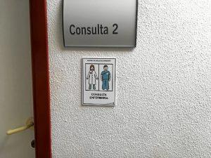El trabajo galardonado lleva como título 'Proyecto de señalización mediante pictogramas del centro de salud de Ayamonte'.