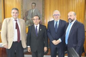 El rector de la UNIA junto al rector de la Universidad de Panama, Eduardo Flores Castro.