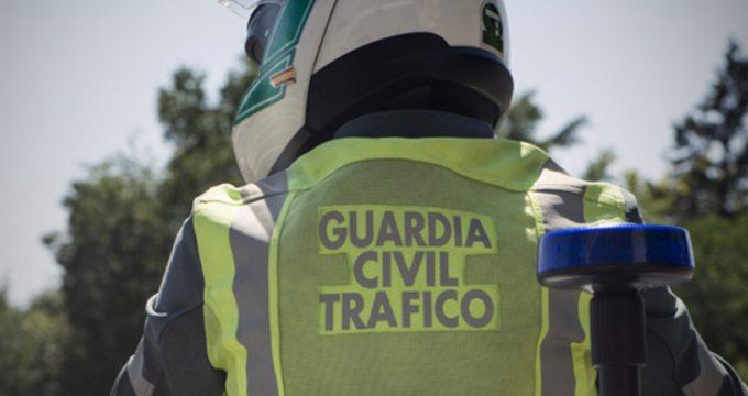 La Guardia Civil auxilia a un niño de dos años que presentaba problemas respiratorios en la carretera H-30