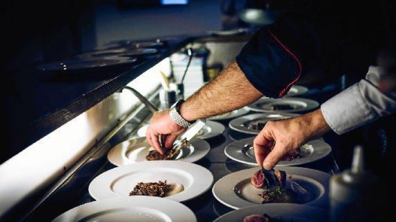 Los alumnos del Instituto Superior de Gastronomía en Huelva realizarán sus prácticas en los restaurantes de Dabiz Muñoz, Ramón Freixa y Atrio