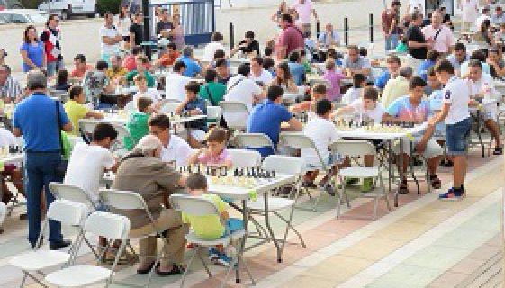 La Antilla acoge una nueva prueba del III Circuito Nocturno de Ajedrez en La Playa
