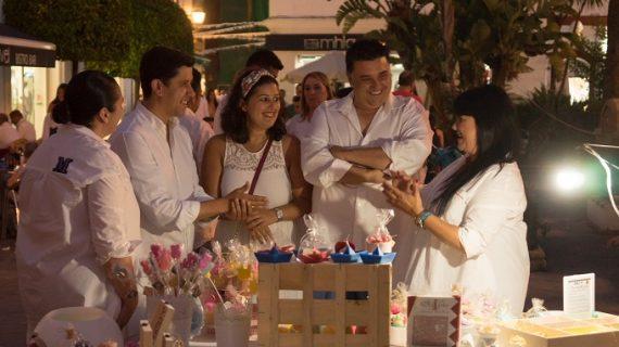 Ayamonte celebra con éxito su Noche en Blanco