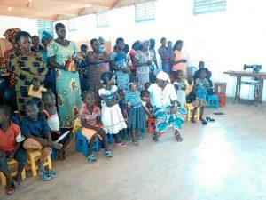 En Burkina Faso, Loli Mendoza gestiona un centro de promoción de la mujer.