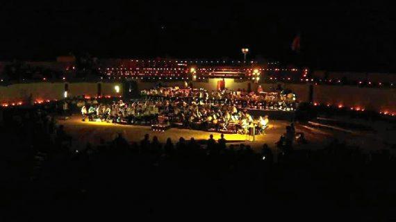 Unas 2.500 velas iluminaron Aroche en su mágica 'Noche de las velas'