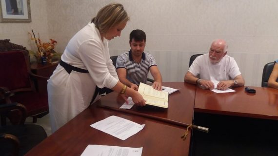 Laura Martín toma posesión como alcaldesa de El Granado